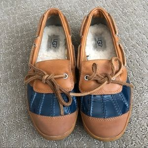 UGG Duck shoe Slip on Flats / loafers size 5.5